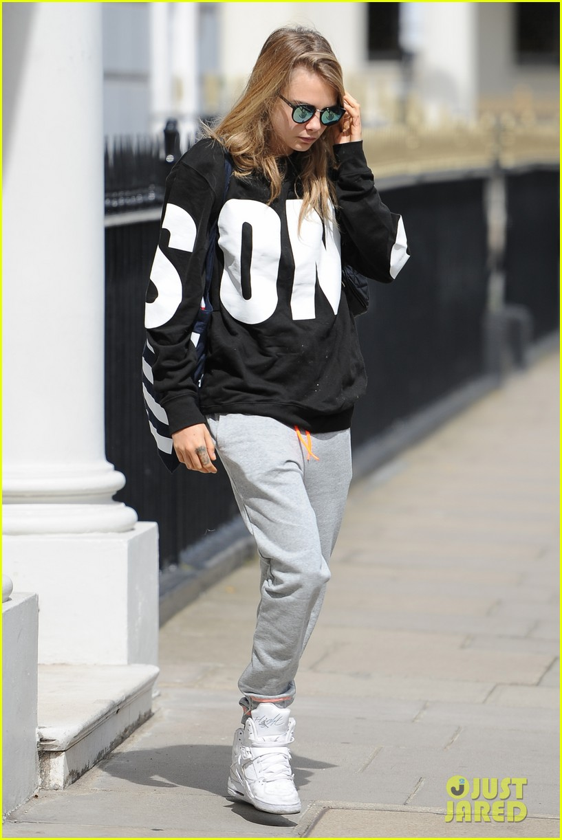 cara delevingne goes on a twitter rant 143152623