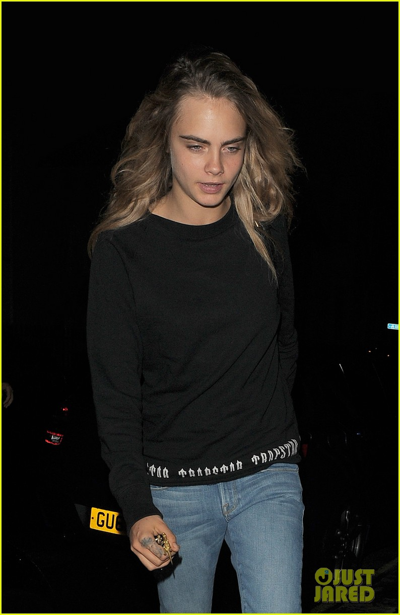 cara delevingne goes on a twitter rant 163152625