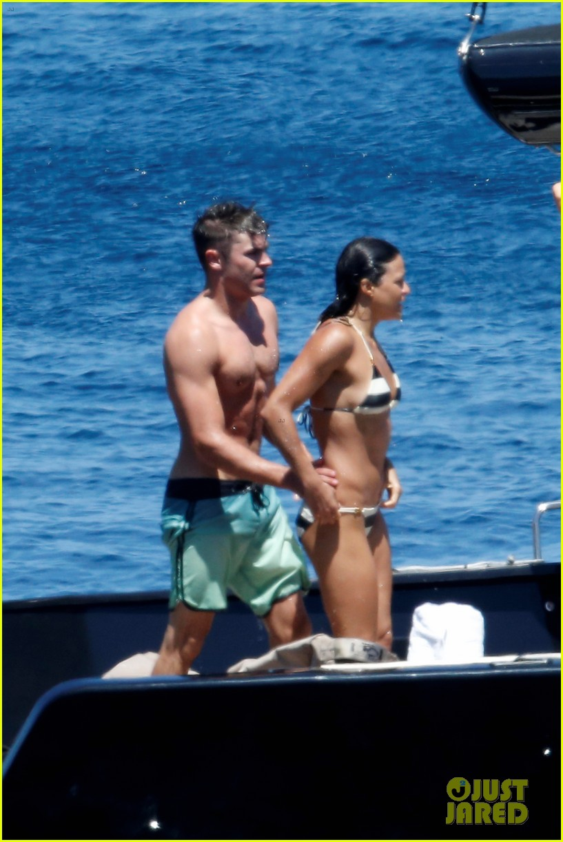 zac efron michelle rodriguez kissing photos 12