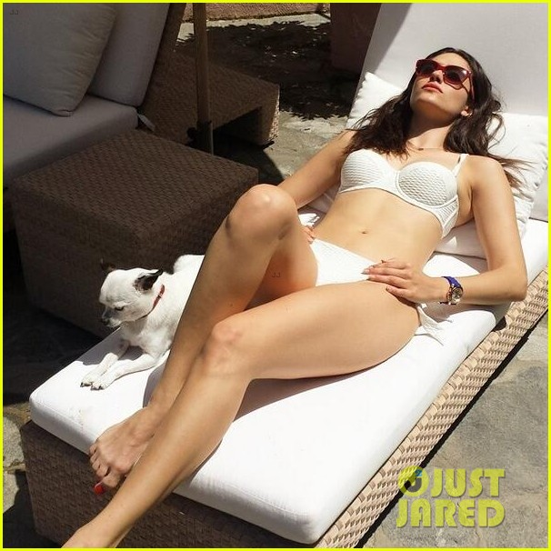 emmy rossum bikini day before shameless shooting 043151398