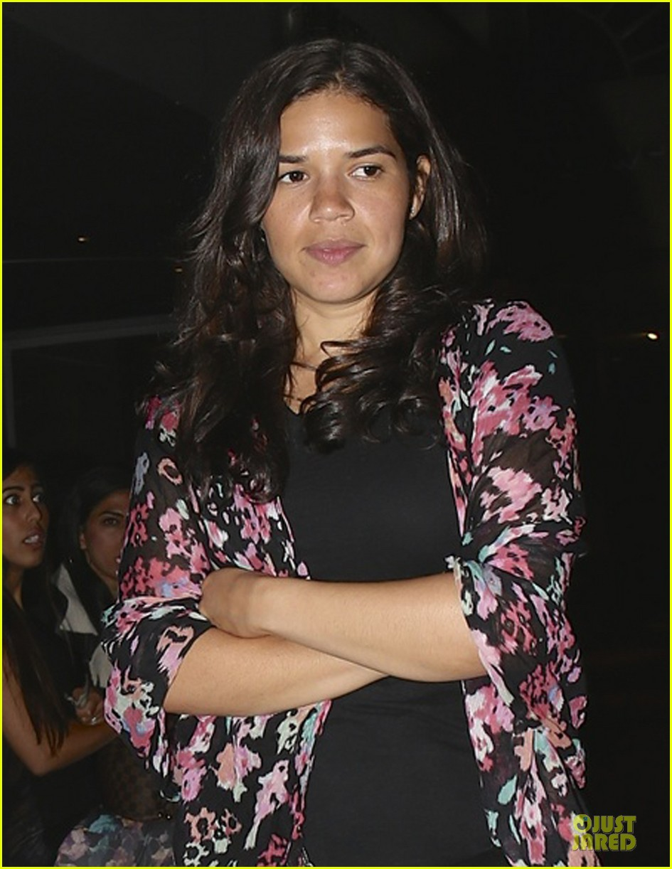 america ferrera amber tamblyn best friend spoke at wedding 04