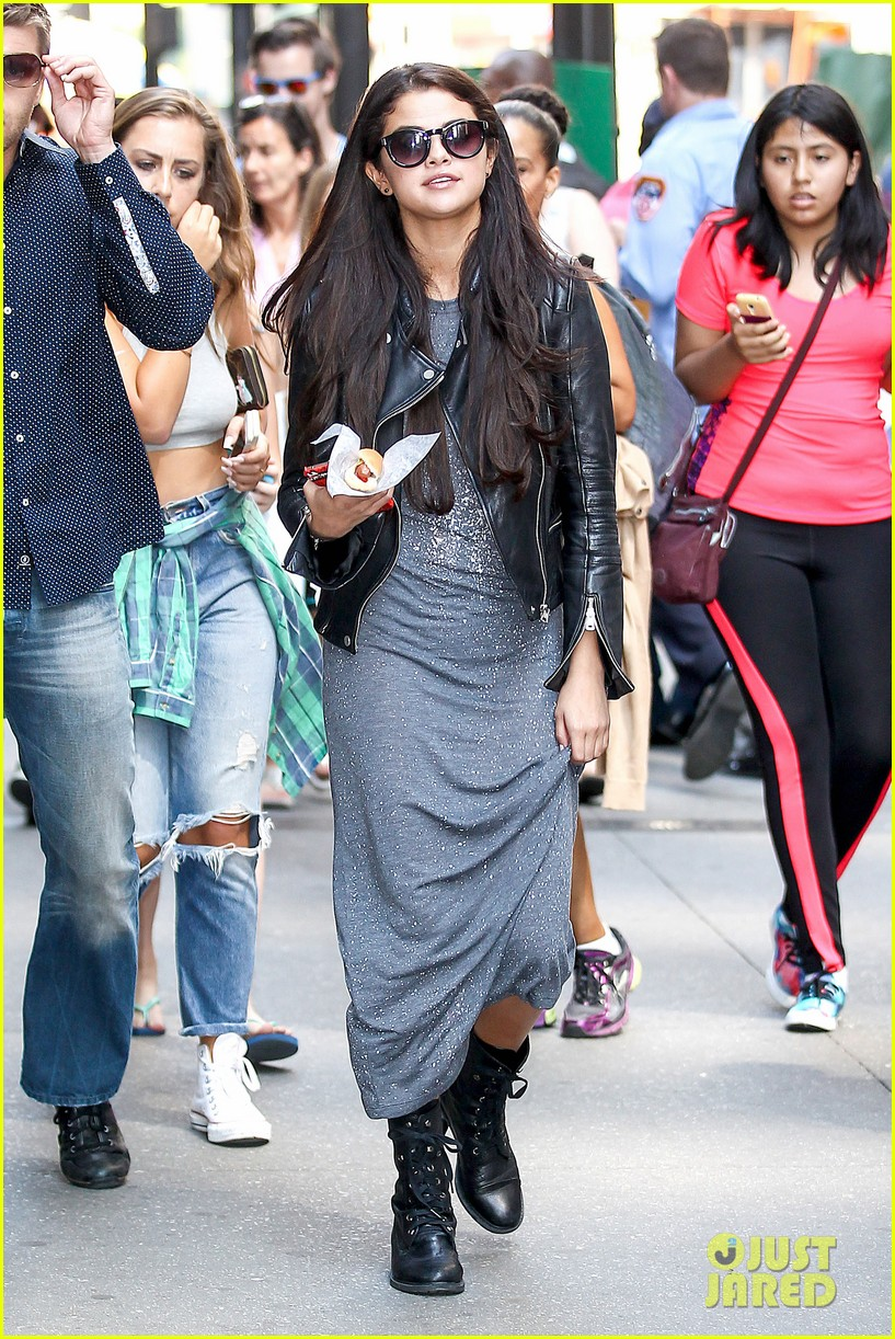 selena gomez chipolte lunch nyc 01