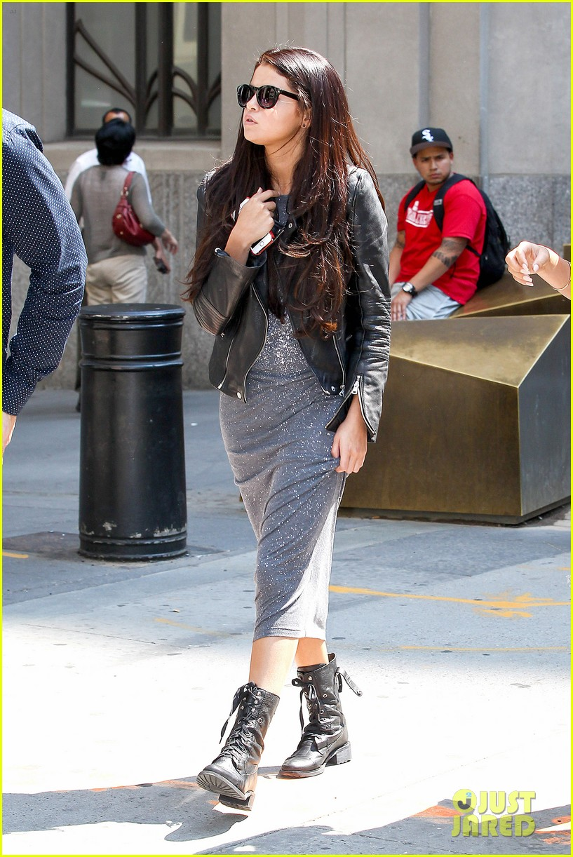 selena gomez chipolte lunch nyc 03