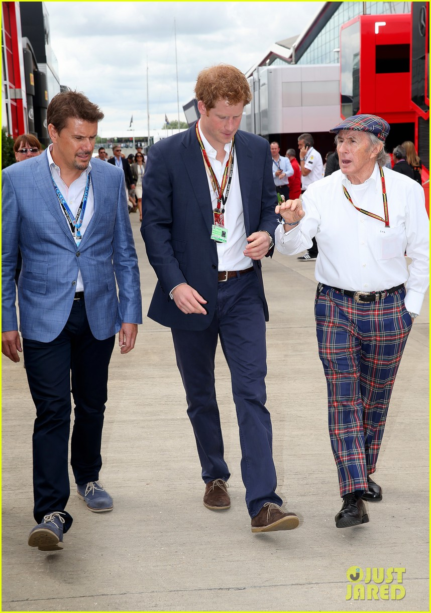 prince harry eventful sunday at the one grand prix 02