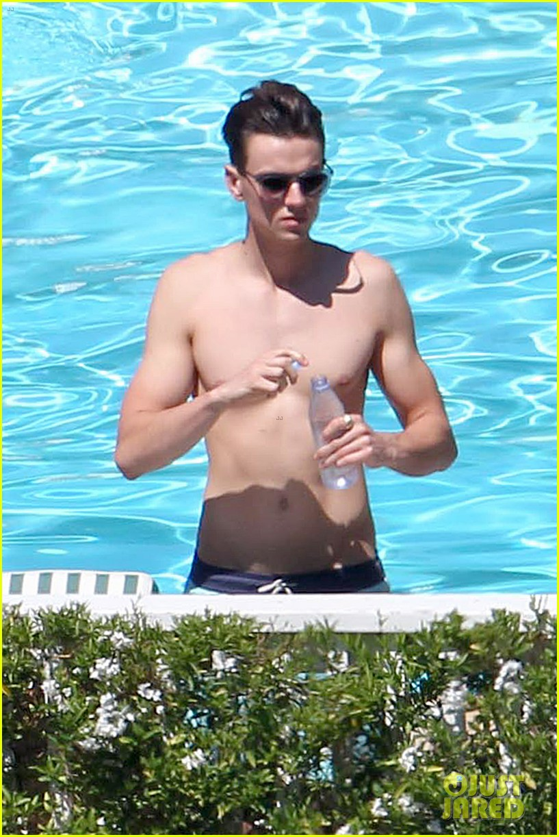 joe simpson hits the pool with a much younger man 04
