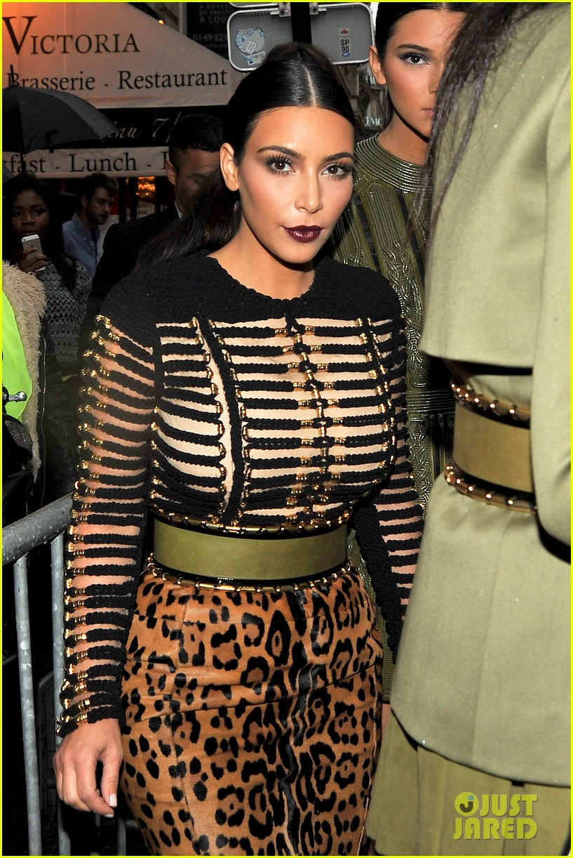 kim kardashian kendall jenner balmain paris fashion week 02