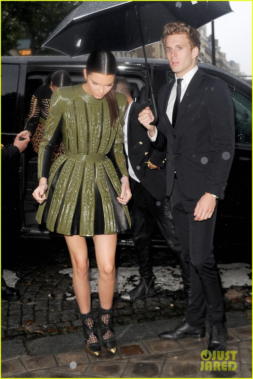 kim kardashian kendall jenner balmain paris fashion week 09
