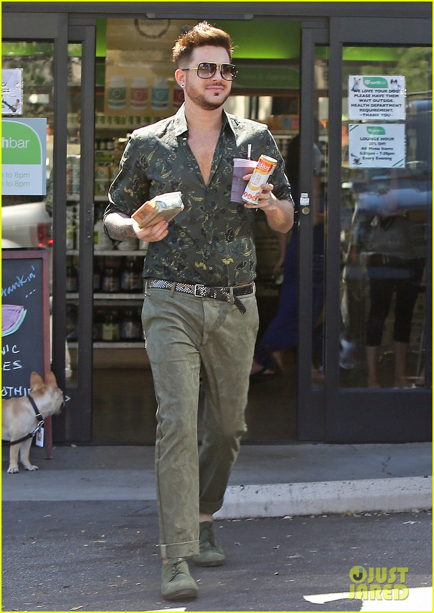 adam lambert grabs a health lunch before queen concert 18