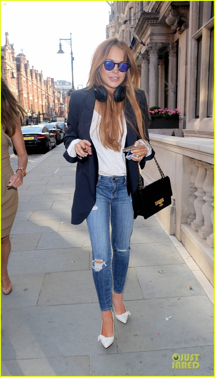 lindsay lohan comes back to london after week in nyc 073152765