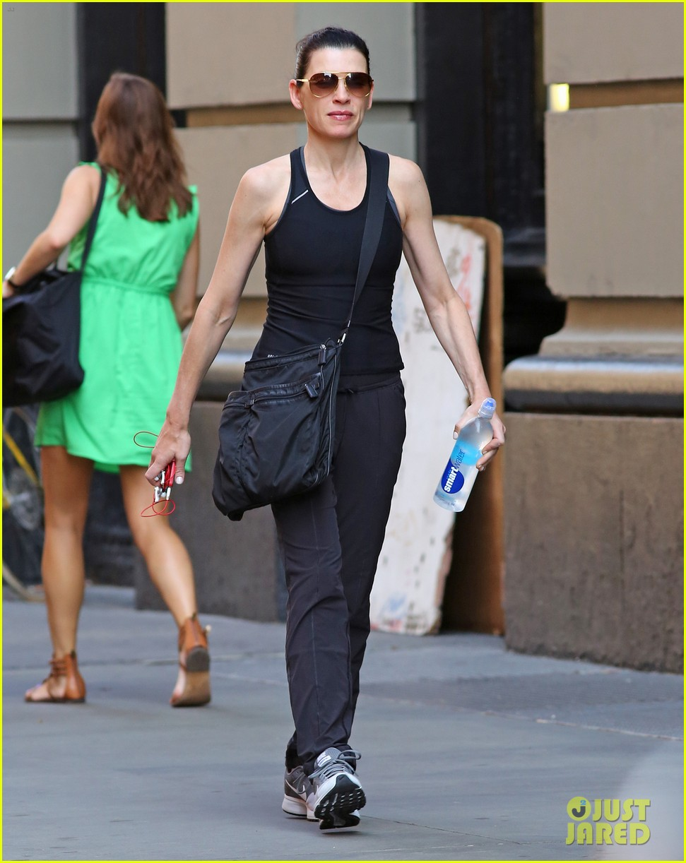 julianna margulies looks so fit fabulous 05