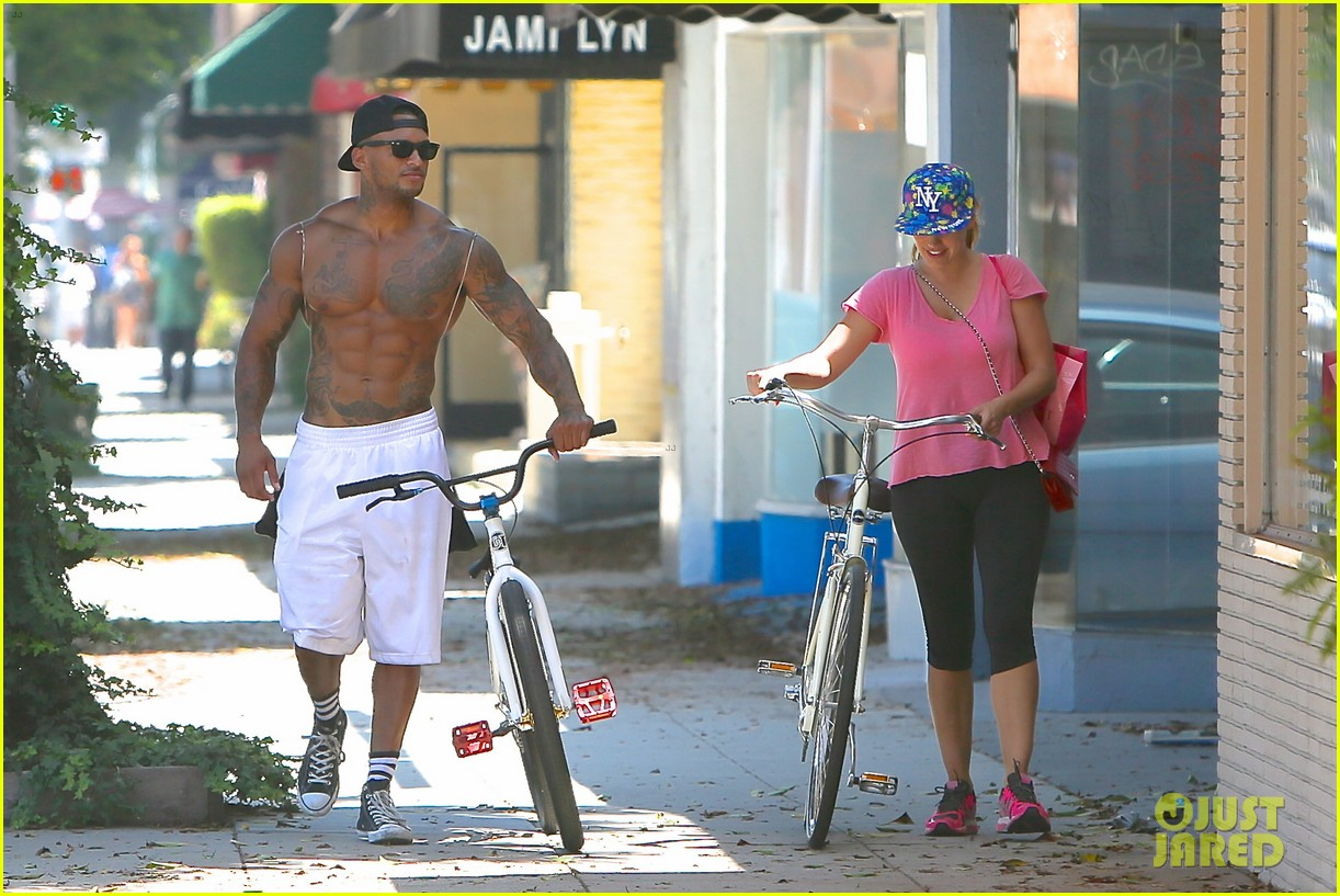 kelly brook fiance david mcintosh should always go shirtless 22