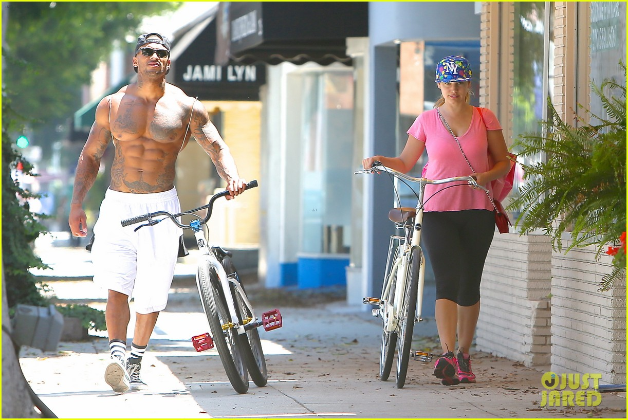 kelly brook fiance david mcintosh should always go shirtless 23