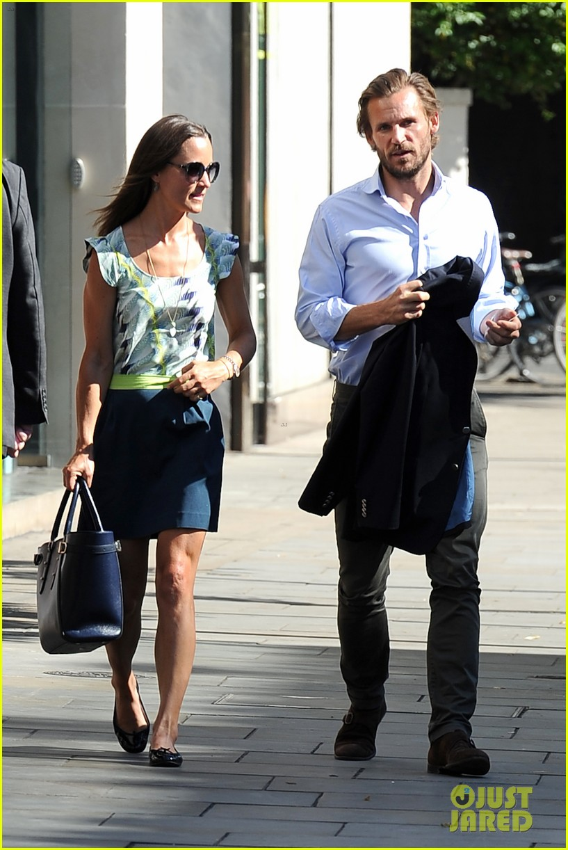 pippa middleton handsome pal make her laugh 253149181