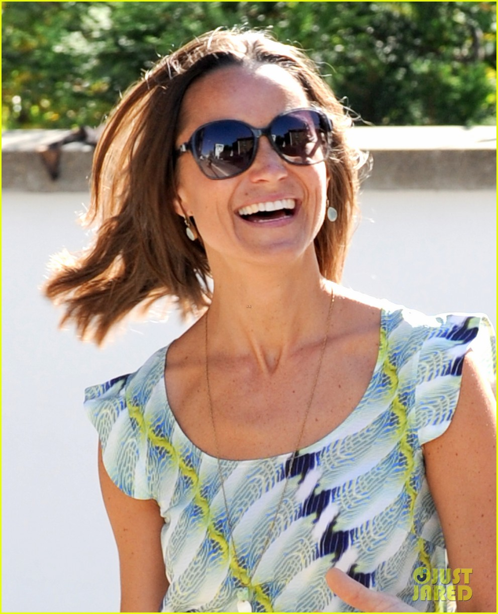 pippa middleton handsome pal make her laugh 273149183