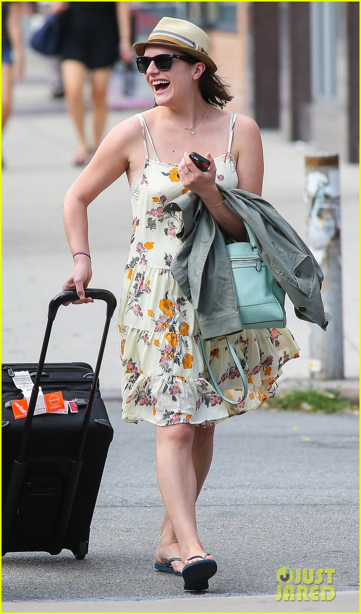 elisabeth moss doesnt dance much anymore 053152569