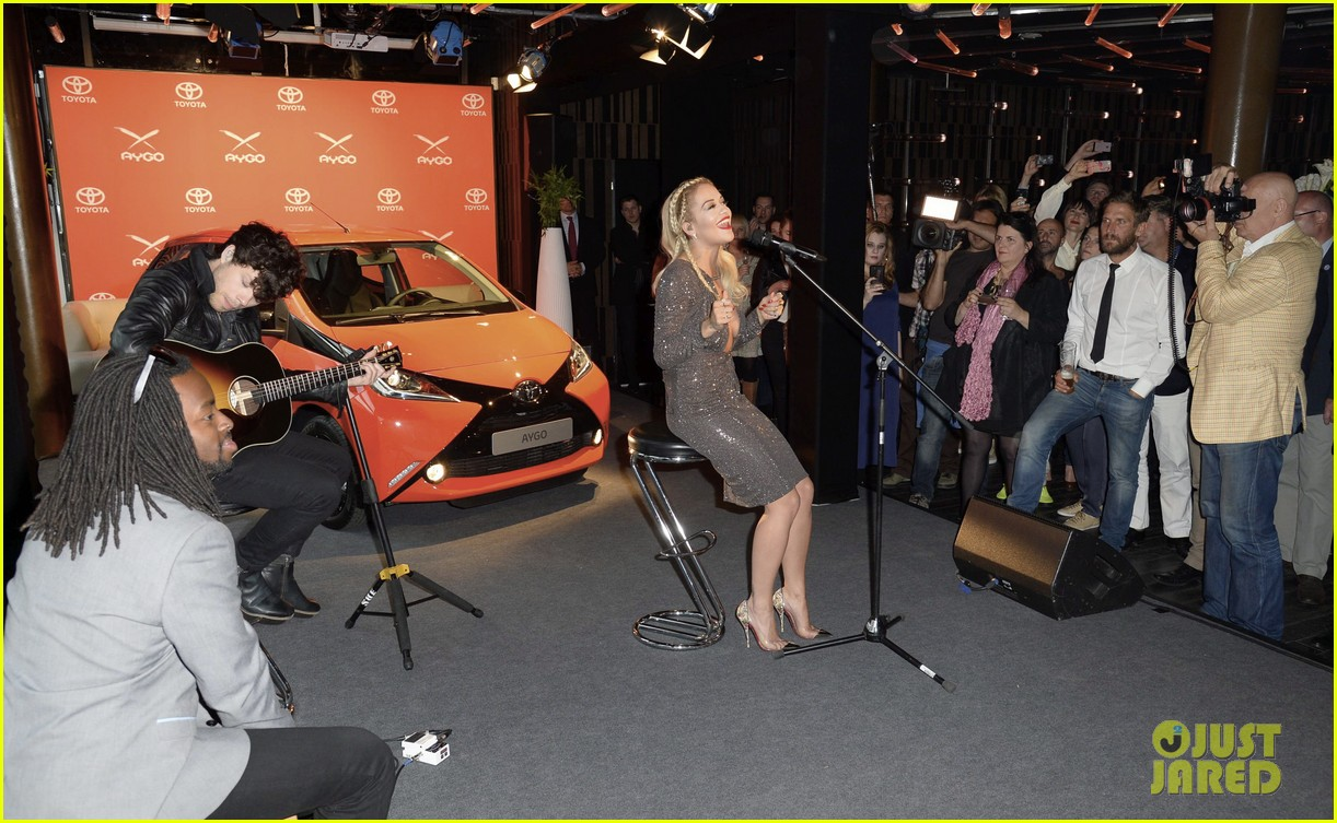 rita ora premieres the new toyota aygo in berlin 10