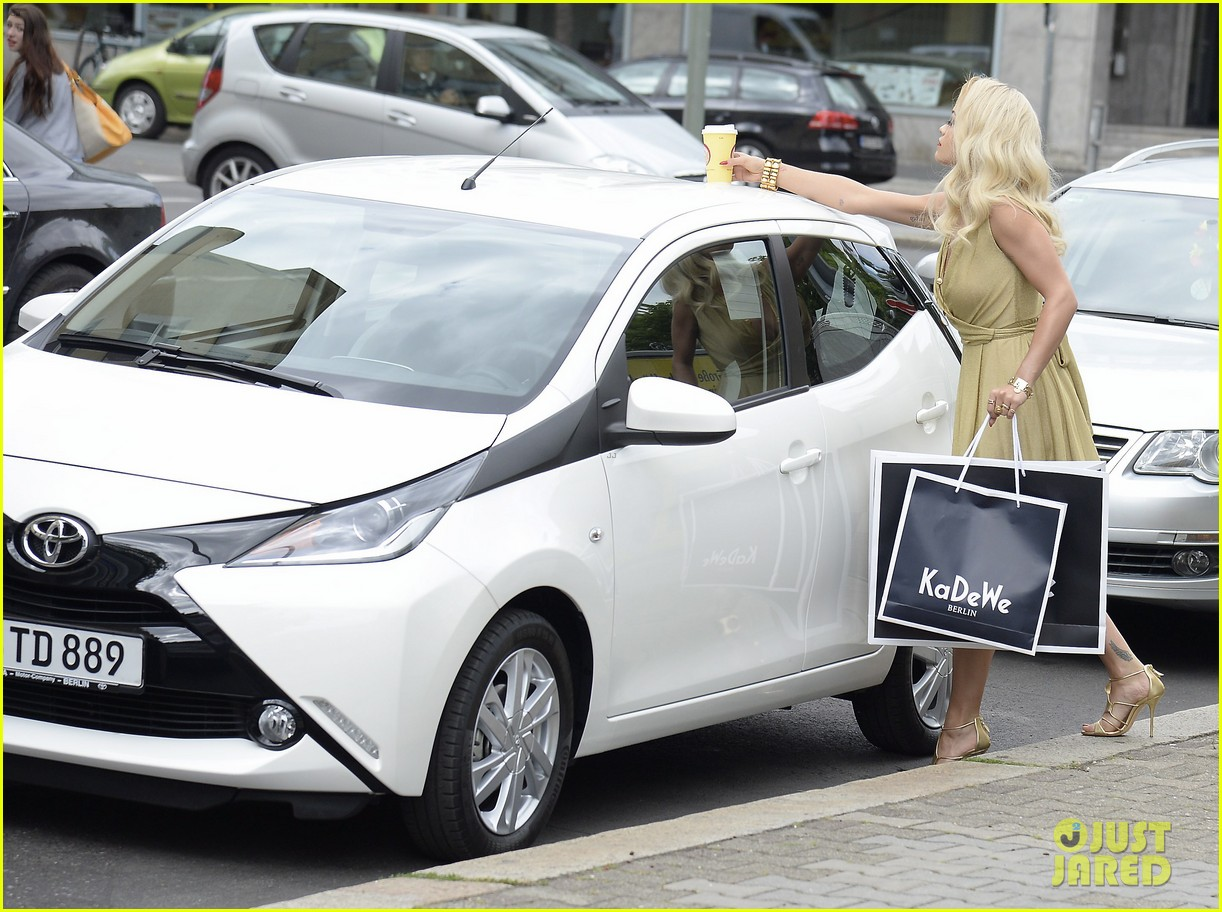 rita ora premieres the new toyota aygo in berlin 11