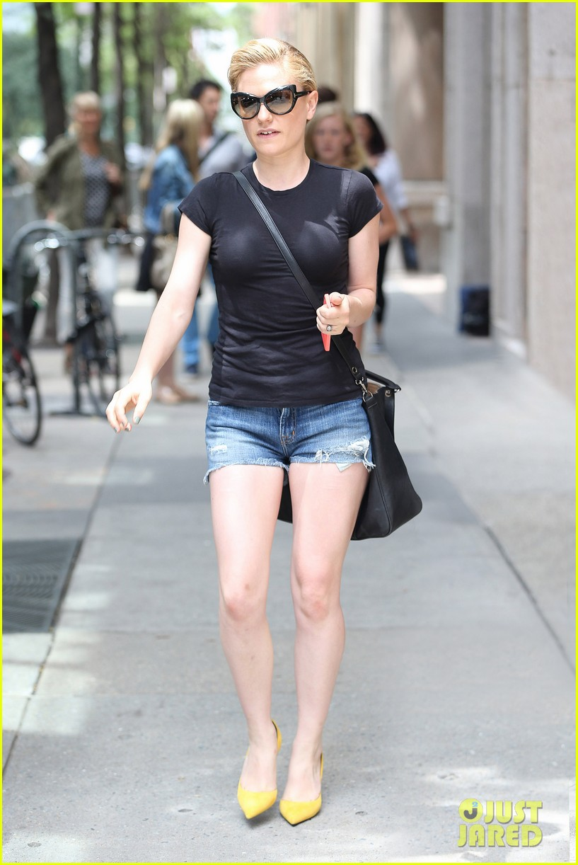 anna paquin steps out ... Anna Paquin