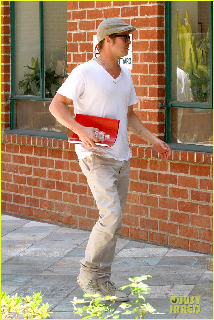 brad pitt brings his script along to a doctors appointment 01