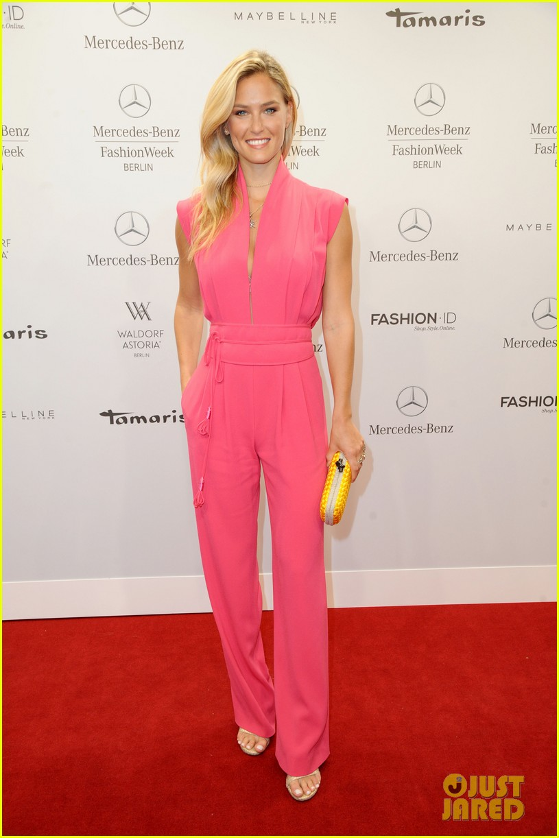 bar refaeli brings brother dor to laurel fashion show 01
