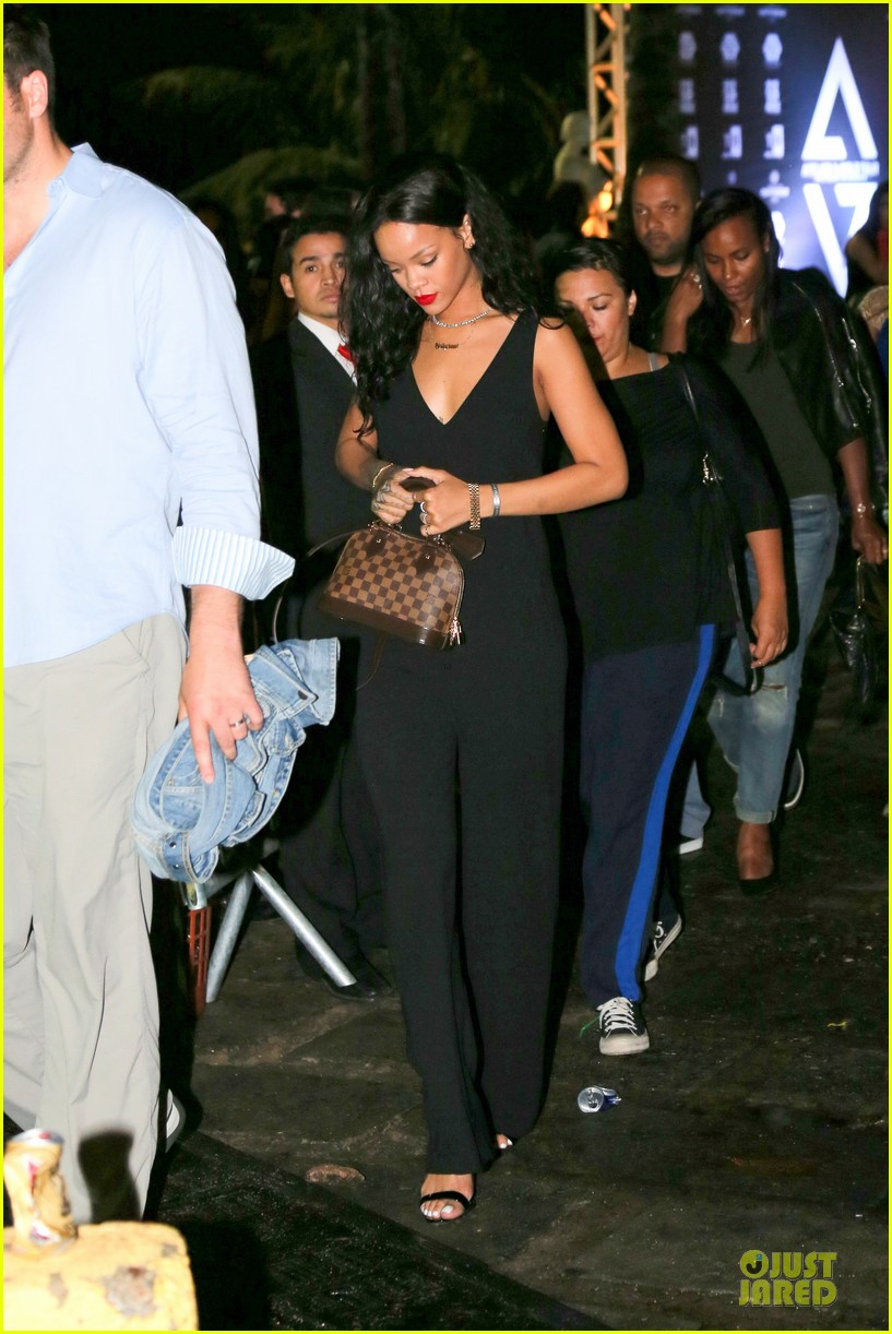 rihanna full on brazilian bbq before world cup party 213154247