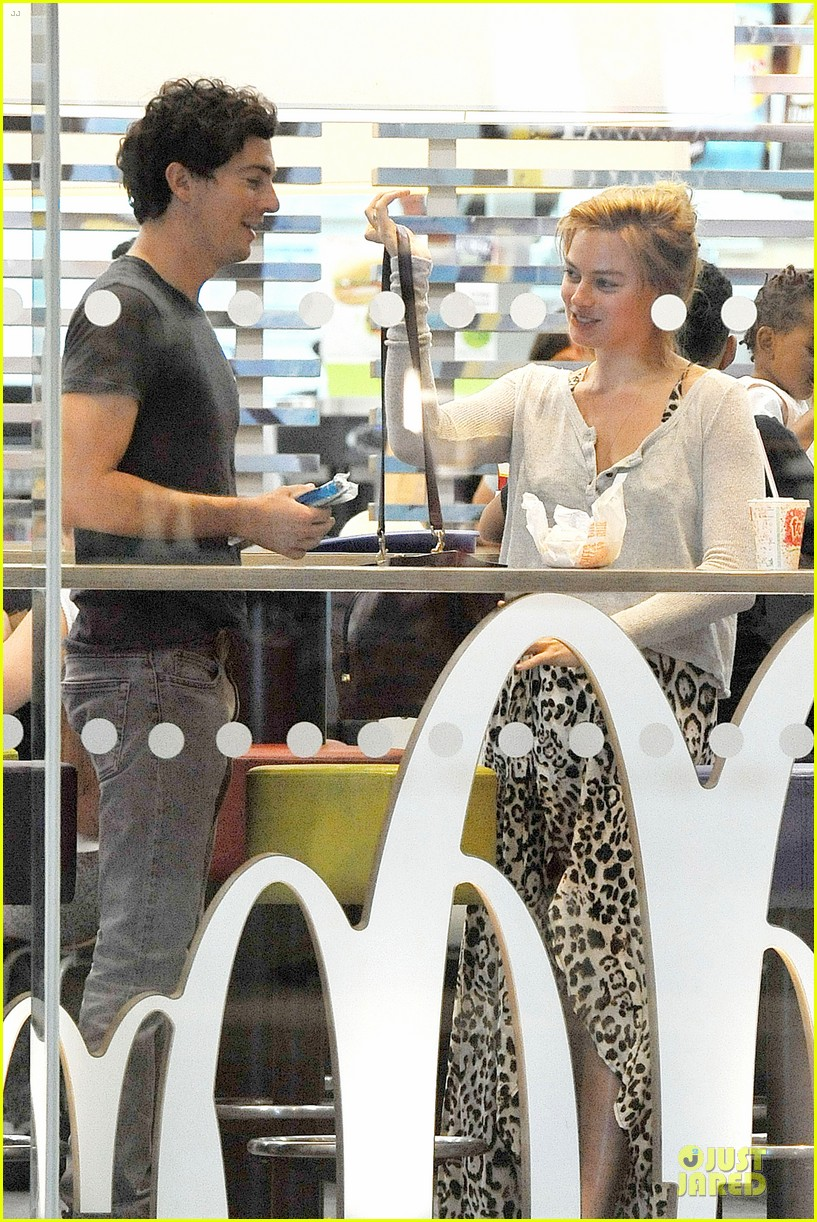 margot robbie enjoys movie mcdonalds in london 16