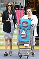zoe saldana fills up on groceries 07