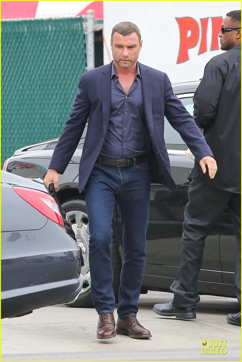 liev schreiber always looks suave for ray donovan 03