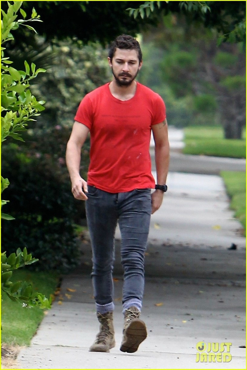 shia labeouf forgets to zip his fly 10