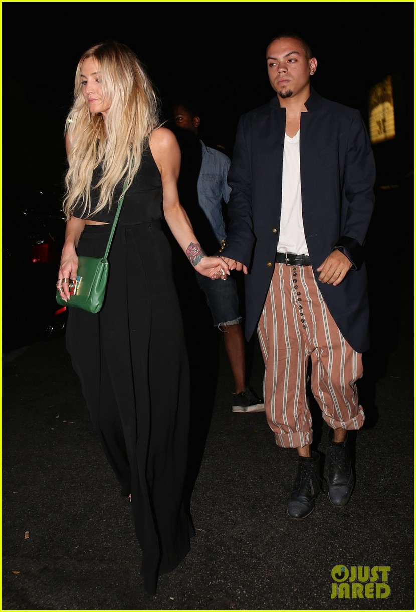 ashlee simpson evan ross are stylish duo for dba night out 08