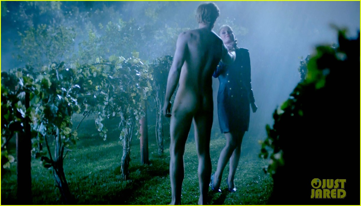 alexander skarsgard butt naked true blood 02