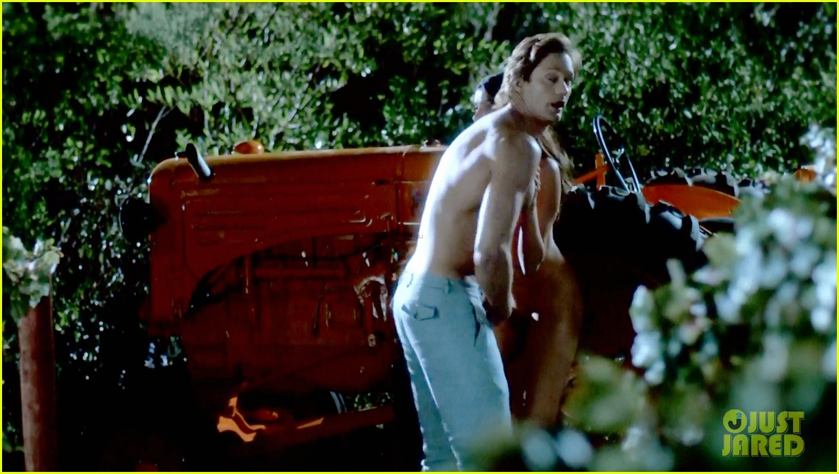 alexander skarsgard butt naked true blood 113150922
