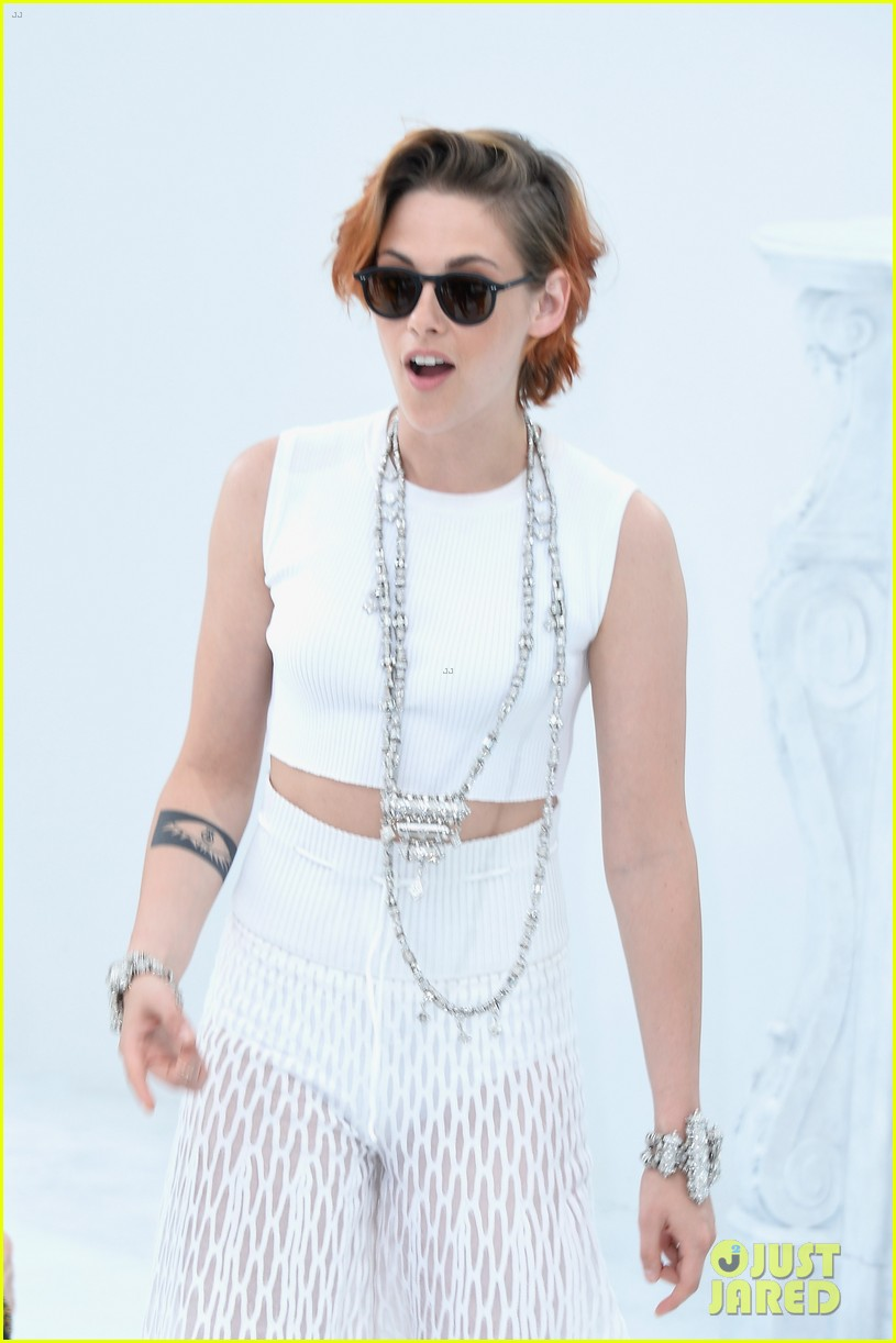 kristen stewart chops off her hair see the pics here 08
