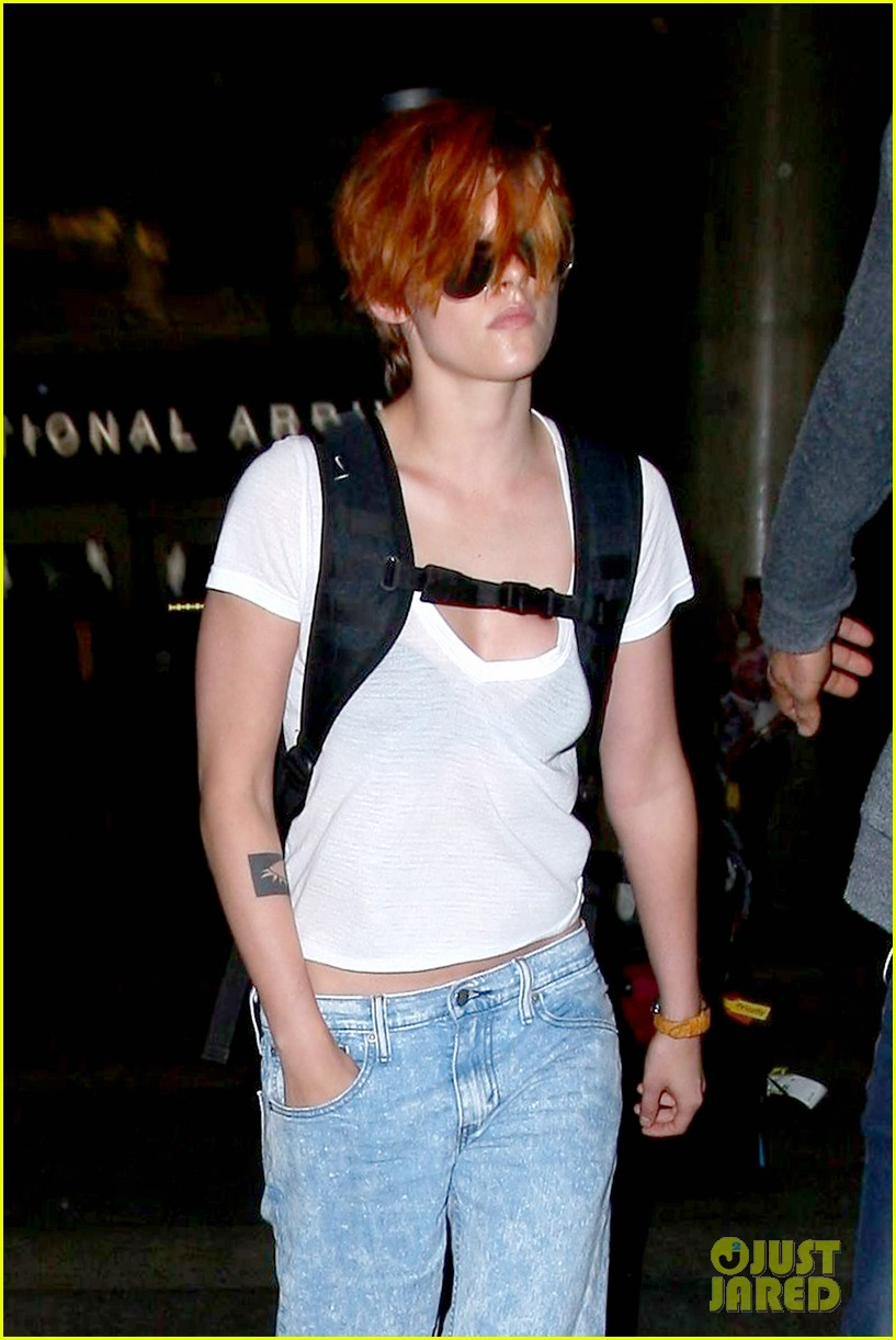 kristen stewart wears her new short hair messy 07