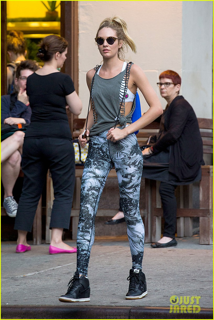 candice swanepoel has the most chic gym outfit 11