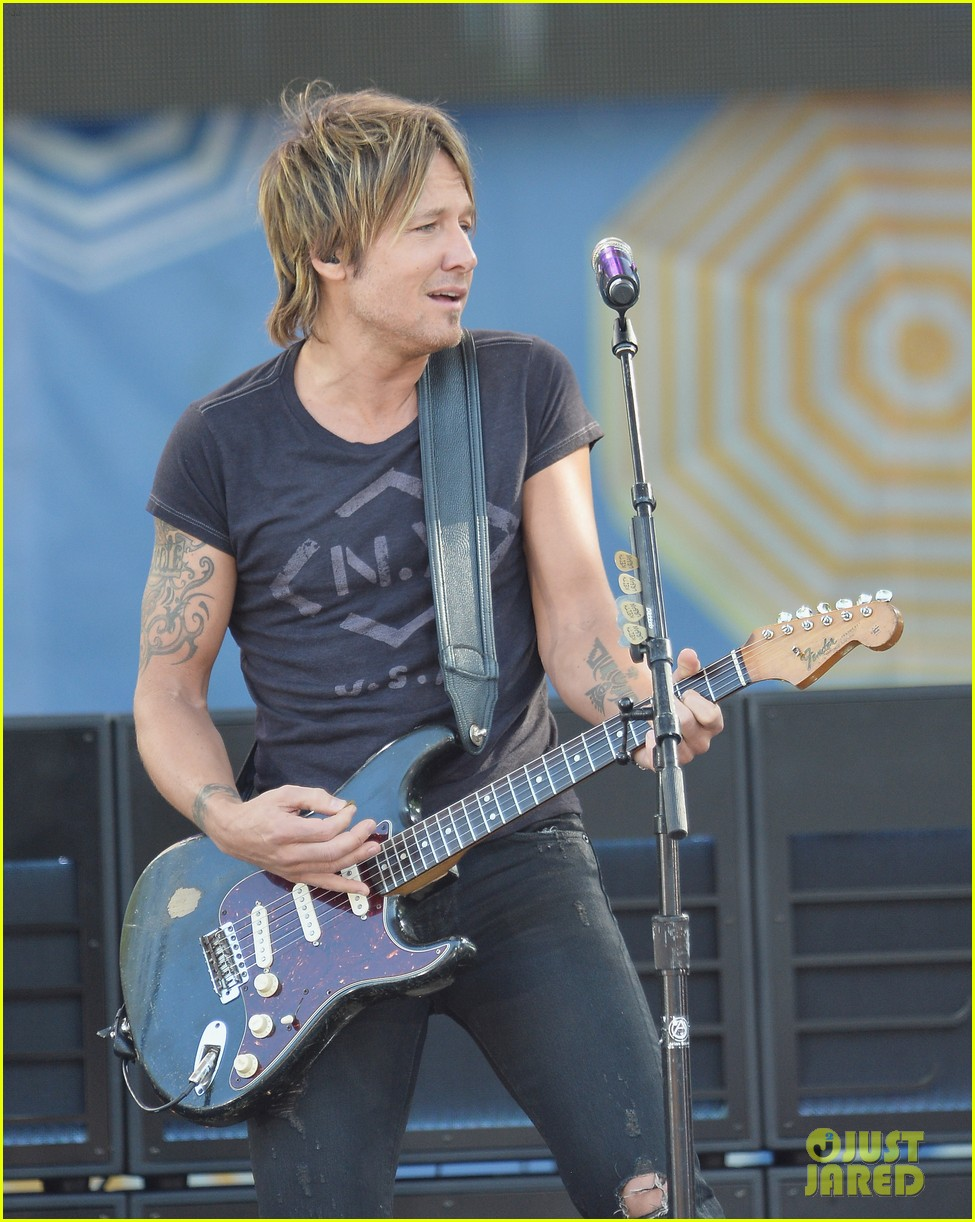 keith urban brings house down at good morning america 07