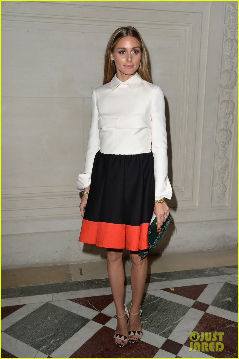 emma watson looks amazing in a crop top for valentino show 113152401