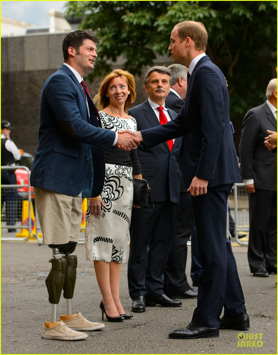 prince william harry accompany dad charles to business gala 083151997