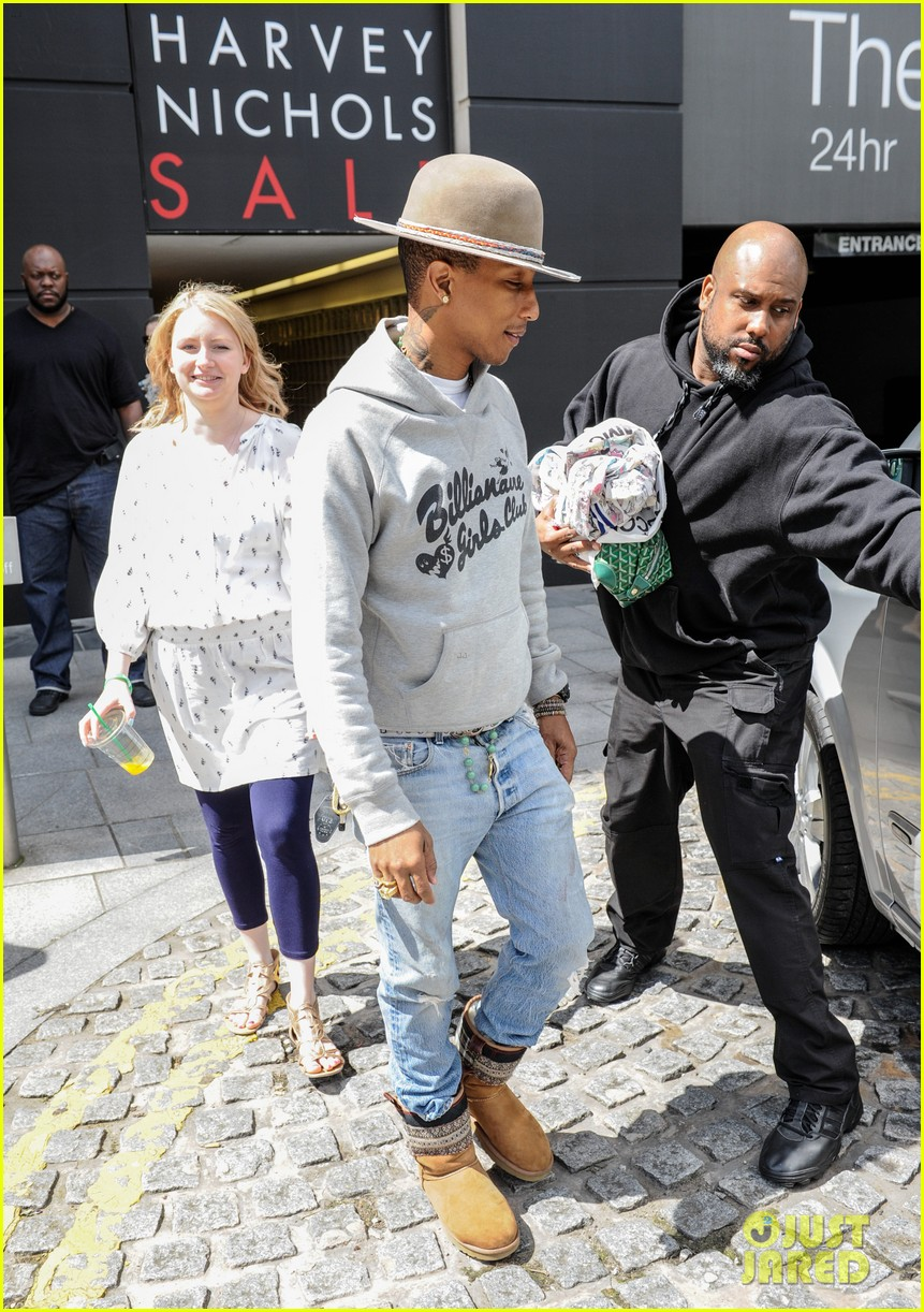 pharrell williams humbled by the success of happy 093151660
