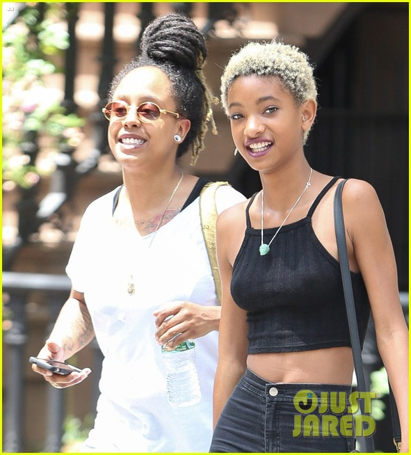 willow smith loves to watch gravity falls 043147672