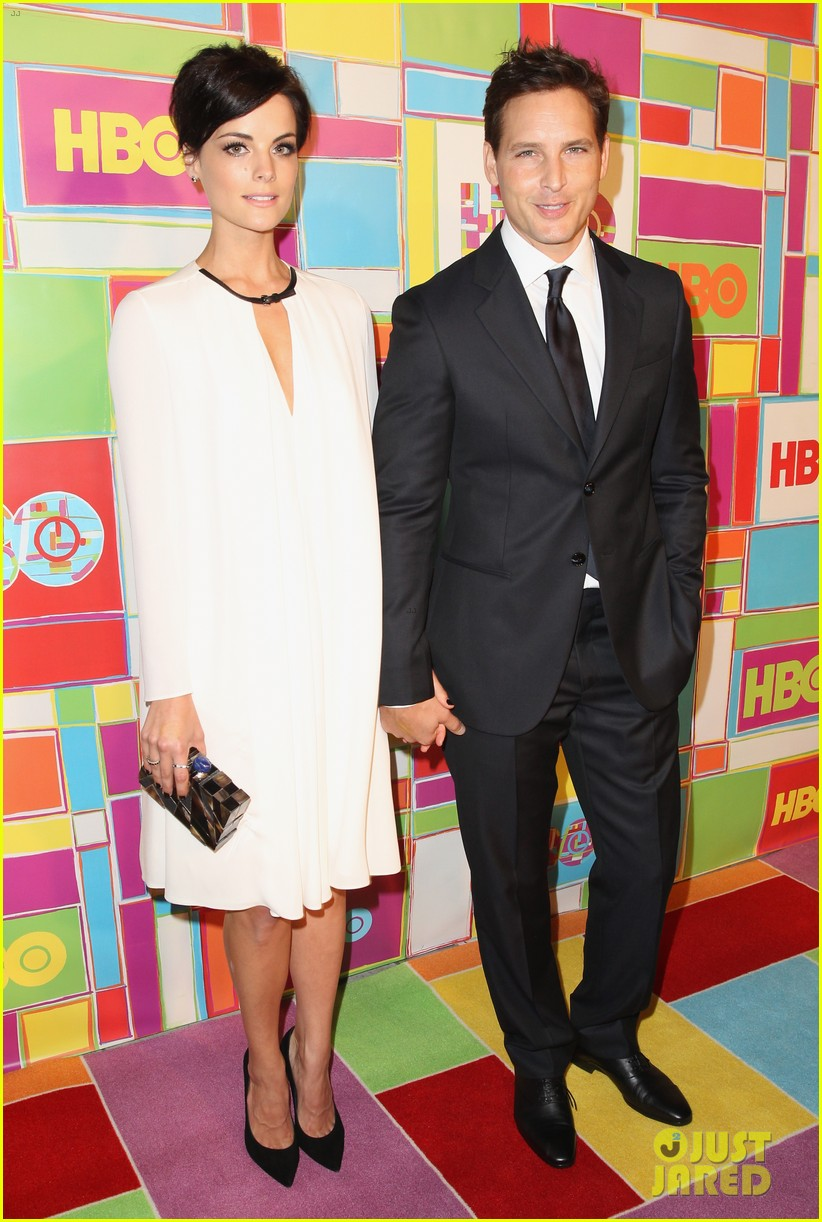 peter facinelli jaimie alexander keep it classy at hbos emmys 2014 01