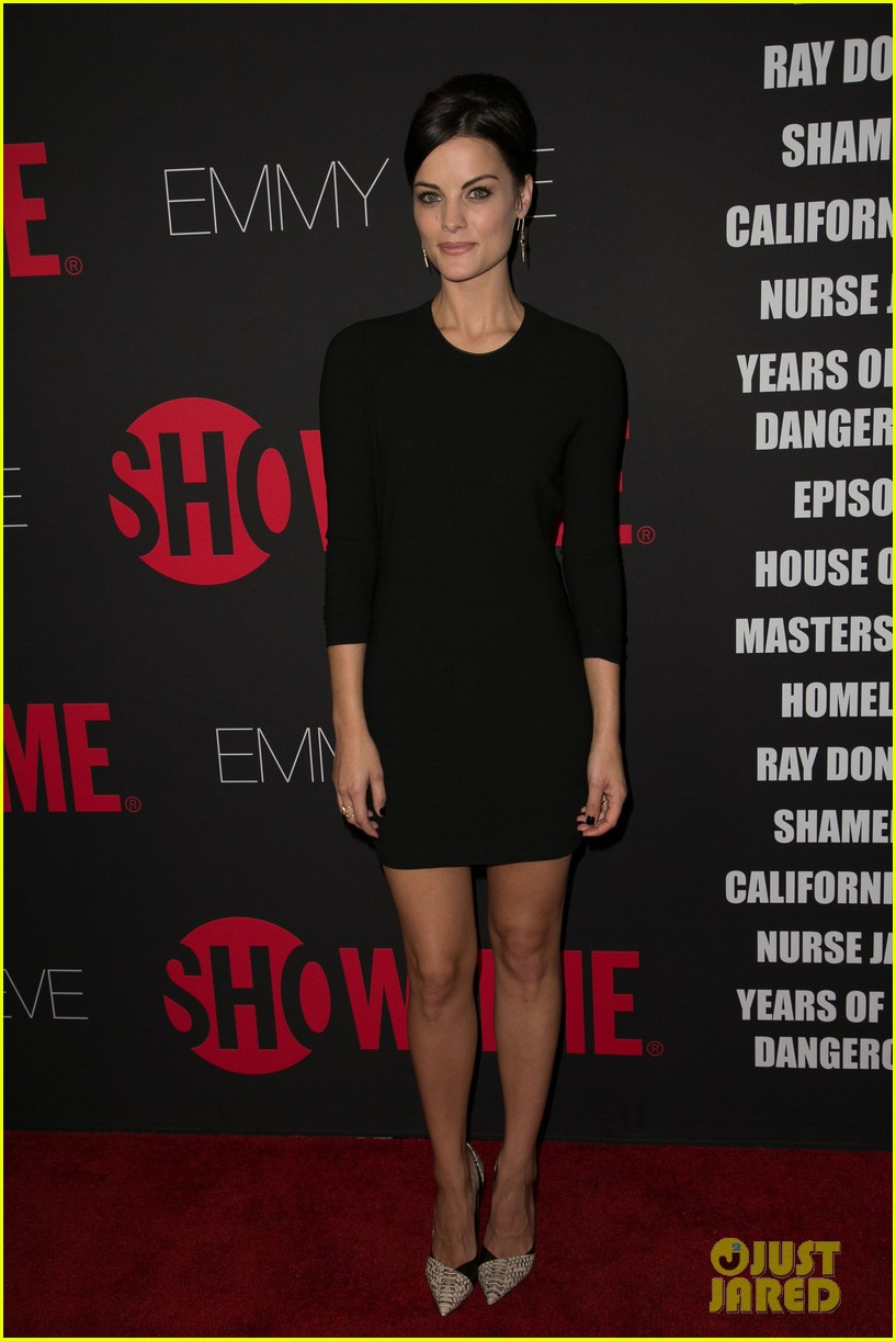 peter facinelli jaimie alexander step out in style for showtimes emmy eve 353182903