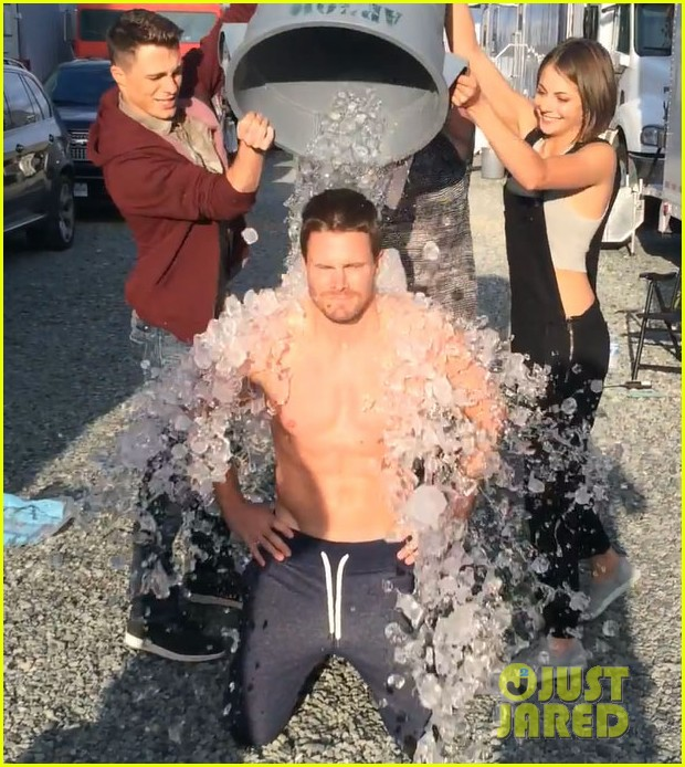 stephen amell shirtless robbie amell als ice bucket challenge 053177420