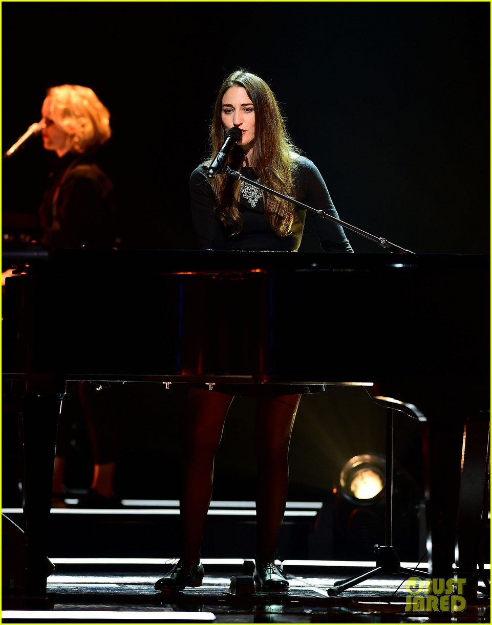 sara bareilles final little black dress tour show 063177869