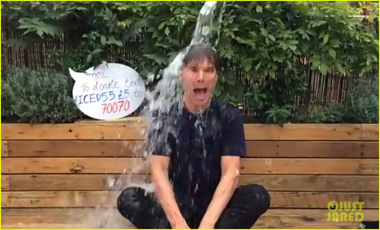 benedict cumberbatch takes ice bucket challenge naked 023180948