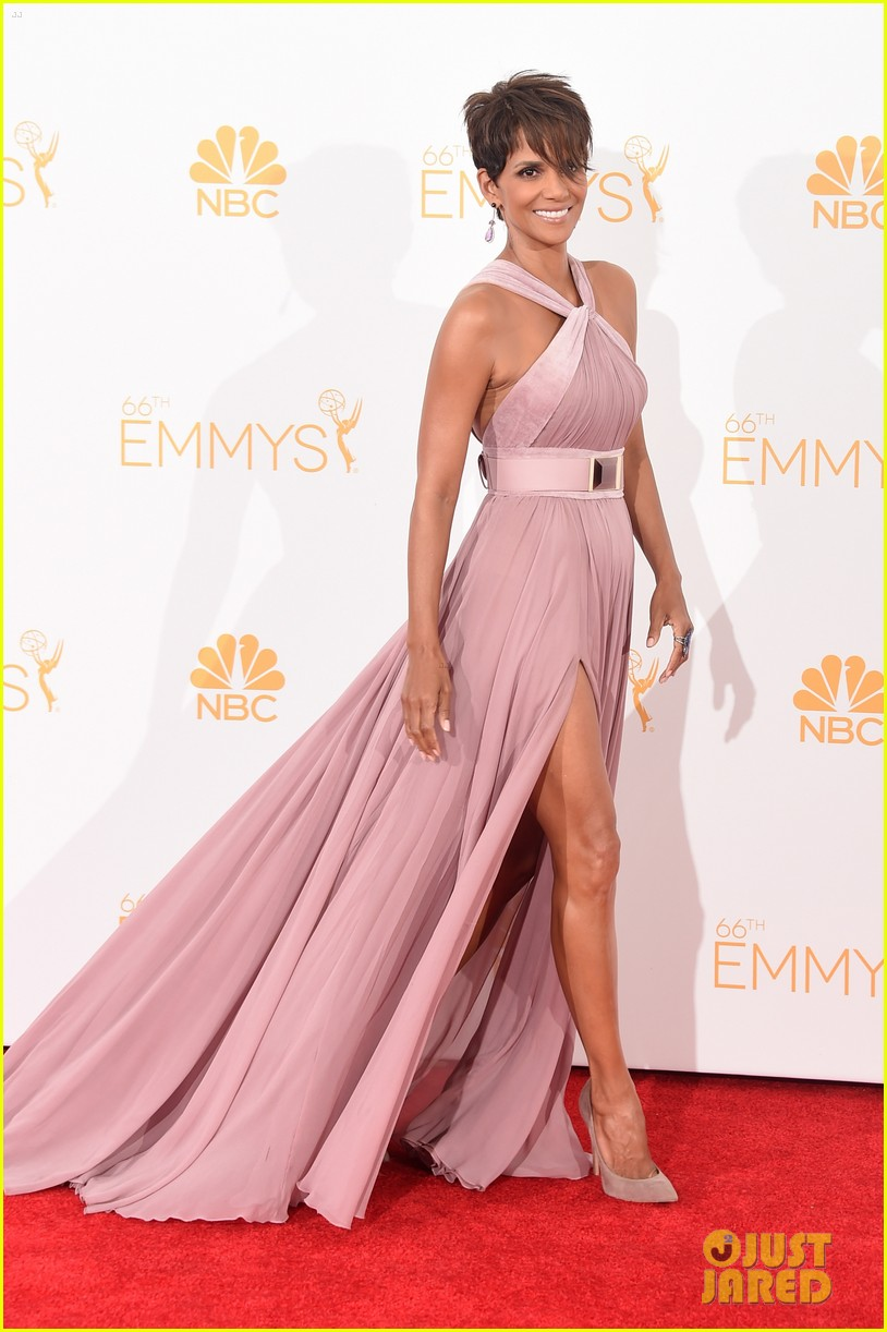 halle berry emmys 2014 053183855