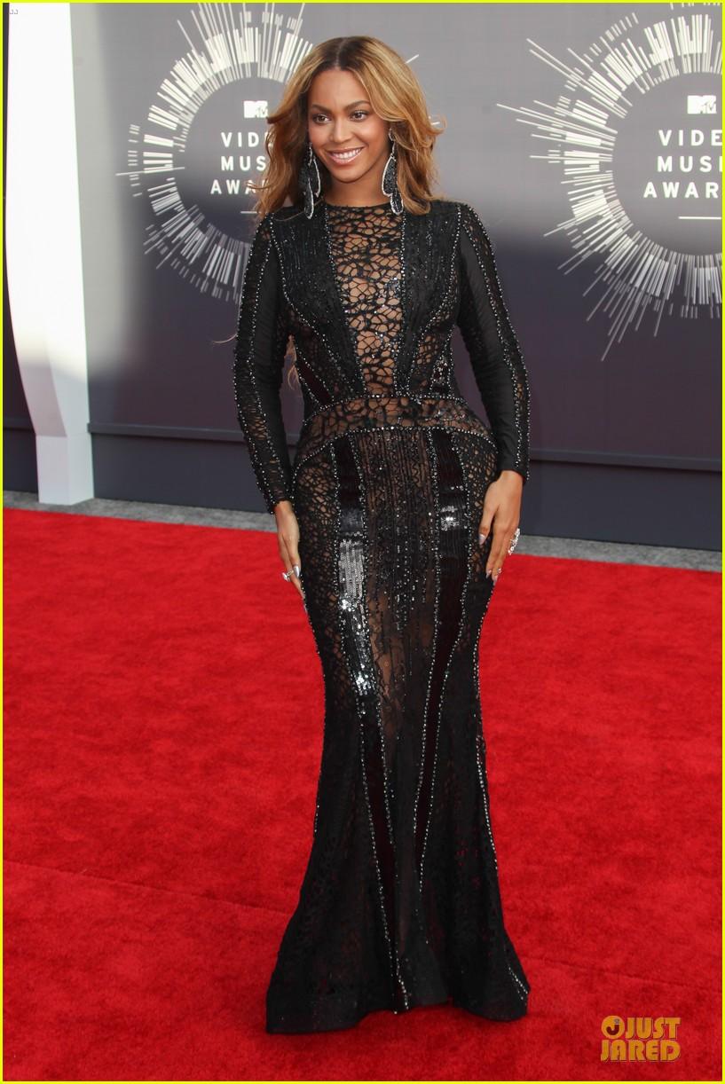 beyonce black dress vmas 2014 06