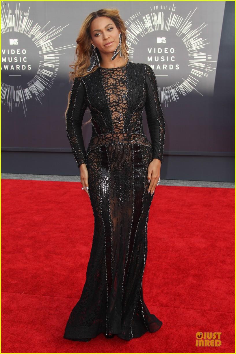 beyonce black dress vmas 2014 083182501