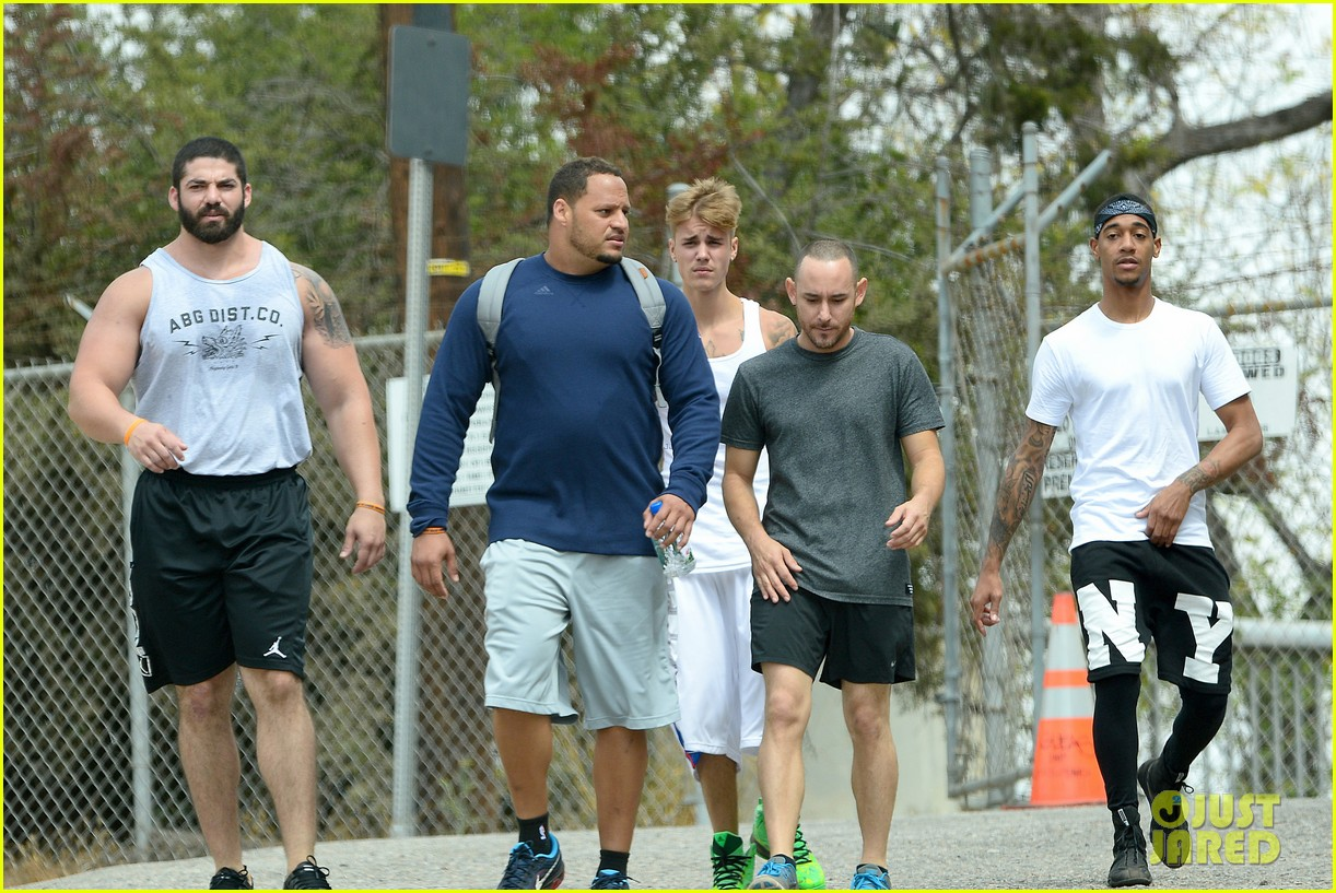 justin bieber boxing skills hike with friends 053179249