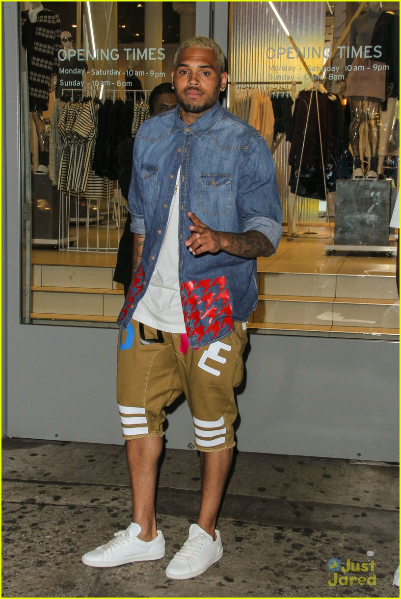 chris brown new flame billboard hot one hundred 04